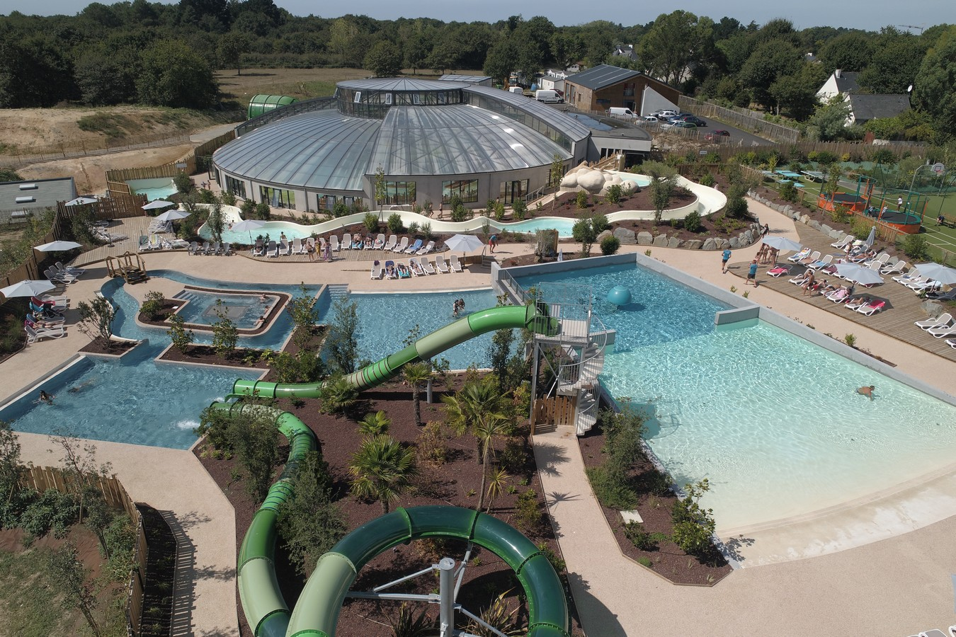 Camping morbihan bretagne avec espace aquatique et piscine - Camping roscoff avec piscine couverte ...