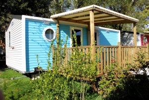 Mobil-home bleu Family Club